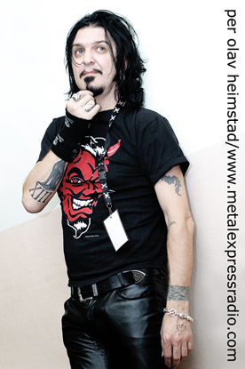 Photo of Tyla (Dogs D'Amour)