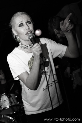 Photo of Wendy James w/Racine